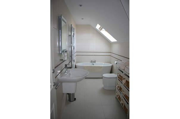 Private House, Windermere - Bathroom