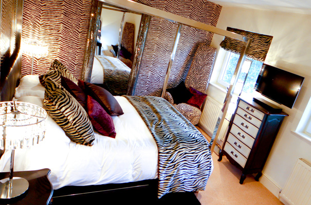 The Hideout - Luxury Holiday Apartment, Bowness - Bedroom