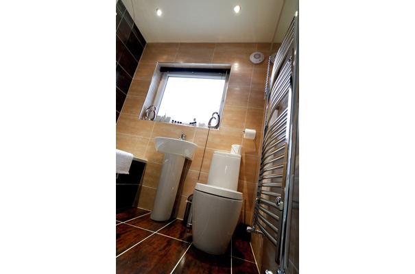 The Hideout - Luxury Holiday Apartment, Bowness - Bathroom